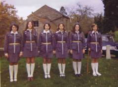 35tka po sponsored walk z Bristolu do Staniy 1974-5ish